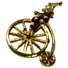 Clown Riding High Wheel Bicycle Pin Enamel Gold Tone