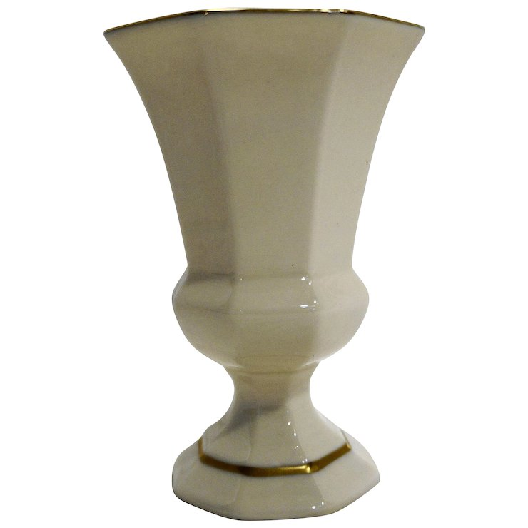 Lenox Ivory Paneled Octagon Gold Trim Porcelain Vase 5 28 In