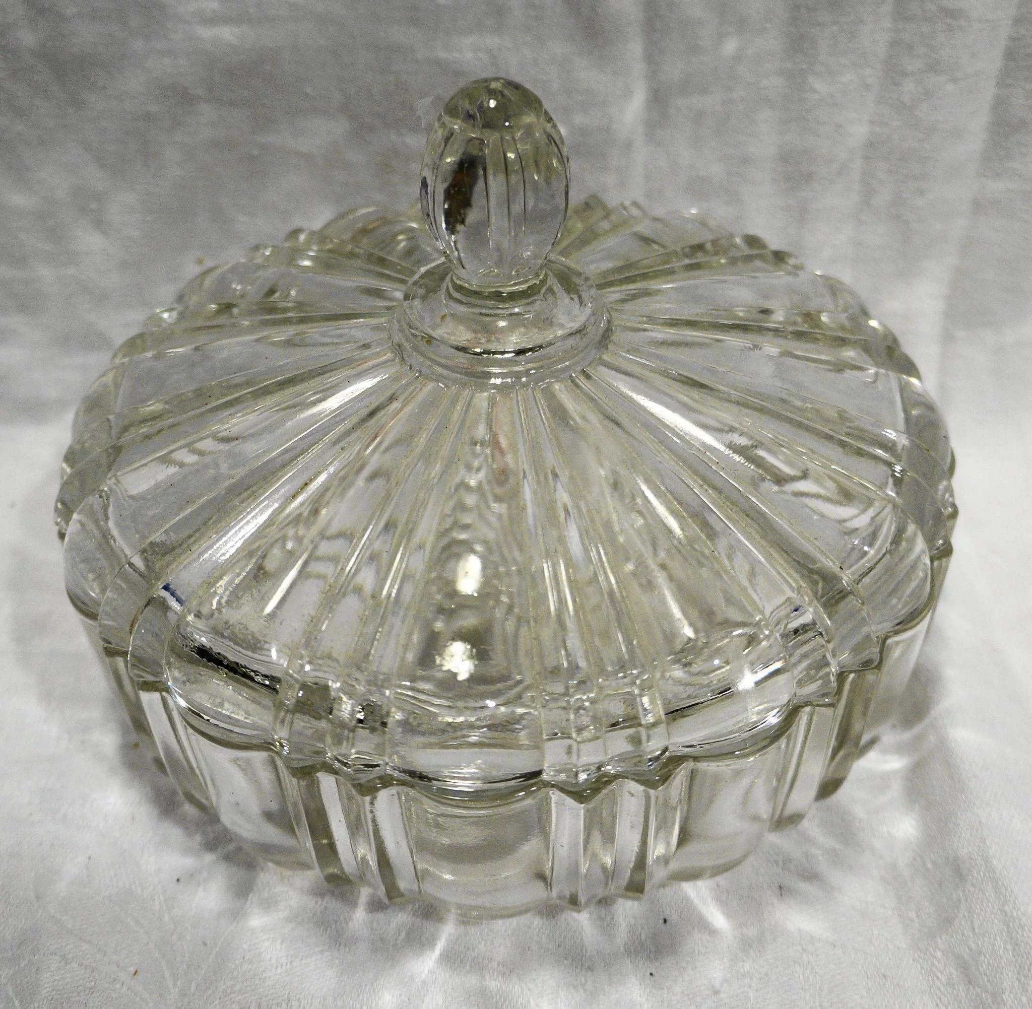 Anchor Hocking Old Cafe Clear Glass Candy Dish Round Box