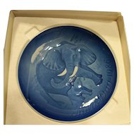 Bing Grondahl Mors Dag Mothers Day Plate Elephant Calf 1986 Blue White Porcelain