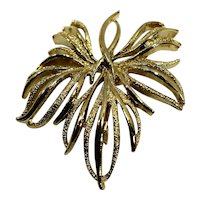 Gerry's Leaf Gold Tone Pin Large