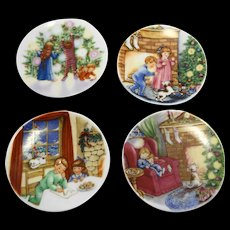 Hallmark Christmas Fine Porcelain Tiny Plates Ornaments Set of 4