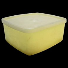 Tupperware 311 Sandwich Keeper Yellow Sheer White Vintage