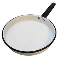 White Enamel Black Trim Skillet Frying Pan 8""