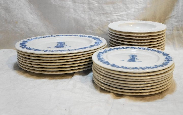 Blue White Melmac Melamine Dishes Set Wedgwood Style Classic by Mallory 26 Pcs Plates Bowls & Blue White Melmac Melamine Dishes Set Wedgwood Style Classic by ...