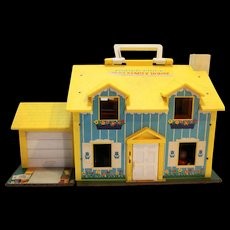 Fisher Price 1969 Play Family House 954 With People Chairs Table Bed