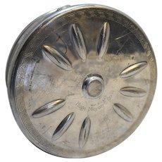 Filmador Hugo Meyer & Co NY Bell & Howell Chicago Film Reel Case Aluminum 8 IN 16mm Reels