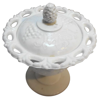 Indiana Glass Harvest Grape Colony White Milk Glass Candy With Lid