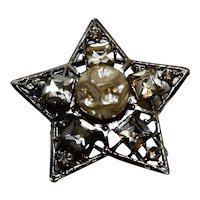 Rhinestone Faux Pearl Baroque Style Star Pin