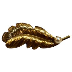 Gold Tone Leaf Cultured Pearl Pin