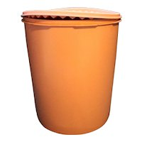 Tupperware 1339 Servalier Large Canister Pink