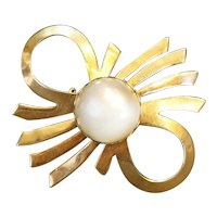 Coro Gold Tone Bow Lucite Moonglow Cab Pin