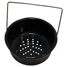 Black Graniteware Sieve Strainer Hanging Basket