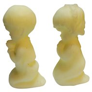 Fenton Yellow Custard Satin Glass Boy Girl Praying Children Figurines