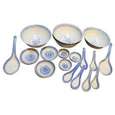Jingdezhen Blue White Rice Grain Porcelain Set 29 PCS Bowls Spoons