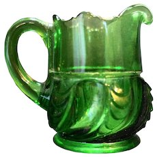 Scalloped Swirl York Herringbone US Glass Emerald Green Creamer C. 1892