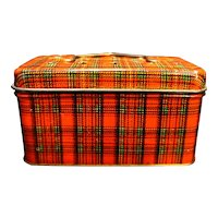 Deldan Inc Red Plaid Tin Mini Picnic Basket