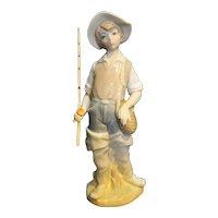Lladro Porcelain Figurine Going Fishing L4809 Little Professionals