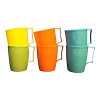 Colonial Plastics Mfg 6 Cups Blue Orange Yellow Green Picnic