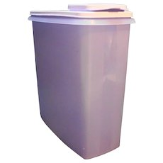 Tupperware Cereal Keeper Canister Pour Stor Lavender Purple 1588