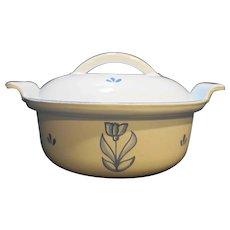 Dru Tulip Blue on White Enamel Cast Iron Round Small Pot