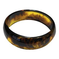 Amber Brown Swirled Domed Lucite Bangle Bracelet