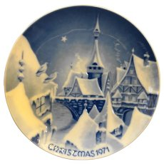 Royale Blue Winter China Germany Flow Blue Christmas Plate 1971
