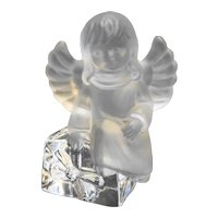 Goebel Lead Crystal Angel Figurine With Present Gift