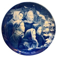 Kaiser W Germany Christmas Plate Christmas Carolers 1974 Cobalt Blue