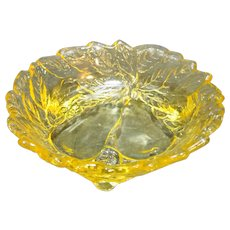 Tiara Exclusives Indiana Glass Avocado Sweet Pear Relish Dish Yellow Mist 6 IN
