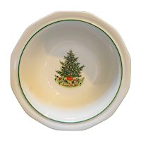 Pfaltzgraff Christmas Heritage Open Round Vegetable Bowl