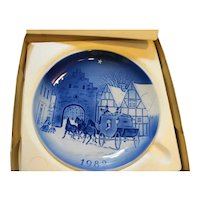 Desiree Twelve by the Mail Coach 1982 Svend Jensen Christmas Plate Blue White