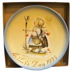 Schmid Hummel 1975 Mother's Day Plate Message of Love