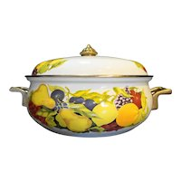 Tabletops Unlimited Fruit Cornucopia Enamel Metal 3 Qt Casserole Pan