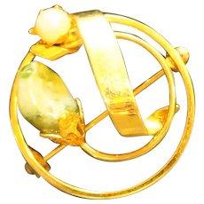 Jade Cultured Pearl Gold Tone Circle Pin