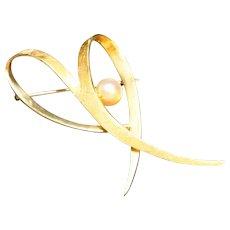 14K Gold Pearl Heart Stylized Midcentury Modern Pin Brooch