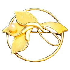 Gold Filled 1/20 12K Flower Circle Pin Cultured Pearl