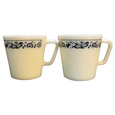 Pyrex Old Town Blue Onion Mugs Pair