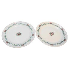 Pfaltzgraff Red Ribbons Dinner Plates Christmas Theme