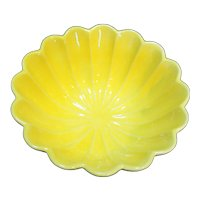 California Pottery C604 Bright Yellow Scalloped Bowl