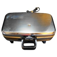 Vitantonio Professional Quality Belgian Waffle Maker Model 550