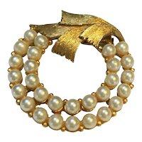 JJ Jonette Jewelry Gold Tone Faux Pearl Circle Pin