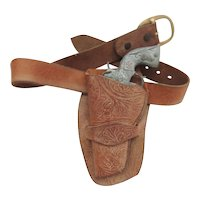 Hubley Star Toy Gun With Leather Holster