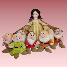 "Large 21"" Madame Alexander Snow White Doll with Vintage 7 Dwarfs"
