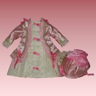 Sweet Vintage Outfit for French or German Dolls