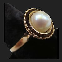 Classic 14K Gold Pearl Cocktail Ring