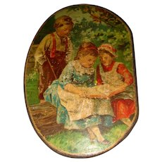 Snuff box with children on