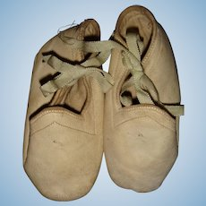 Soft kid leather white shoes