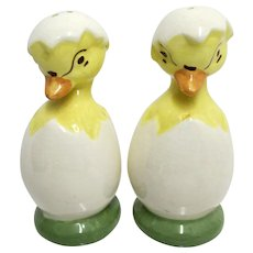 Salt and Pepper Set Chicks in Egg Shell Easter Holiday  Set