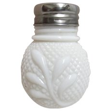Glass Salt Shaker EAPG Diamond Point and Leaf Pattern Single Shaker